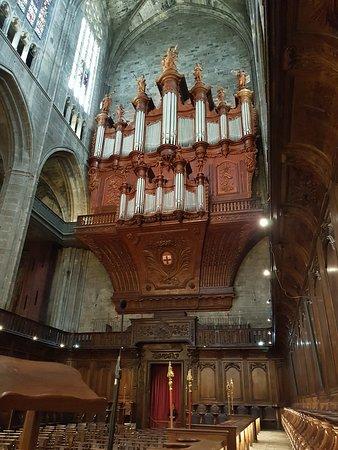 Son orgue.