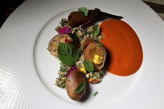 Elements : Fairytale Eggplant (Jimmy Nardello pepper, oat tabbouleh)