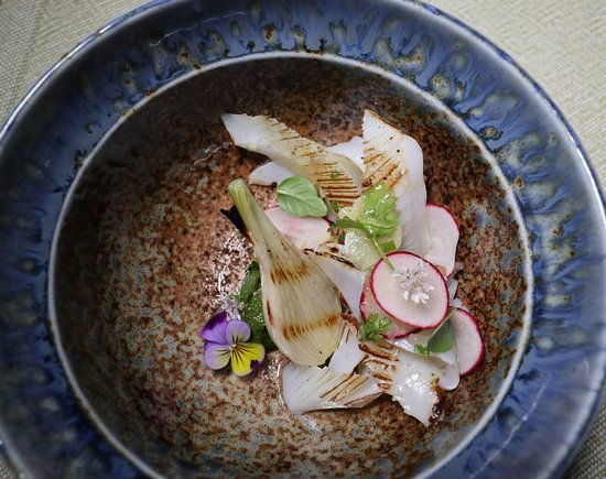 Cuttlefish grilled with onions