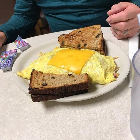Cedar Springs, MI: Farmers omelette