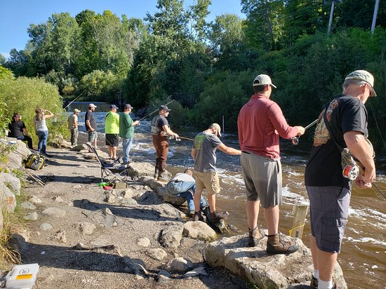 Benzonia, MI: Salmon run is popular with the anglers