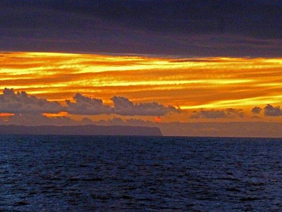 Kauai Sea Tours: Sunset from the Na Pali Coast