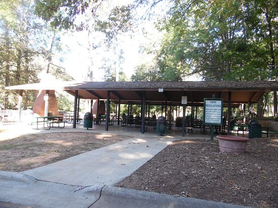 Statesville, NC: SHELTERED PICNIC AREA