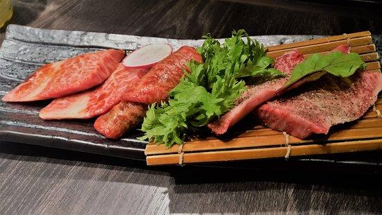 Kotora S-Pal Sendai: 特選和牛三種,3600YEN