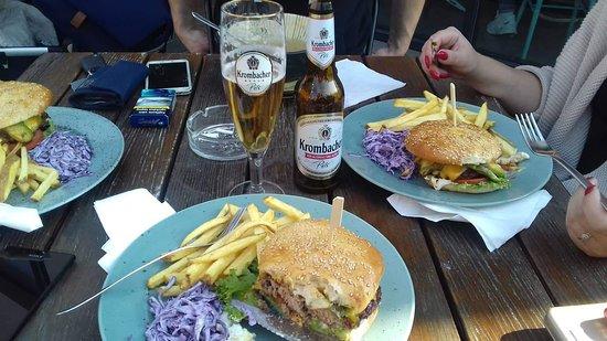 Sered', Slovensko: burger s kačacím mäsom