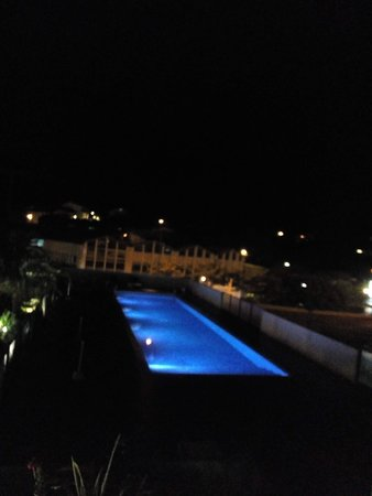la vue à partir de la chambre 101 hôtel  Donibane  !