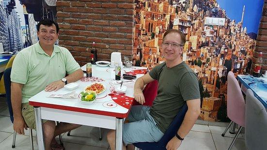 Mazidagi, ตุรกี: Junto a mi colega Hamdi Colak