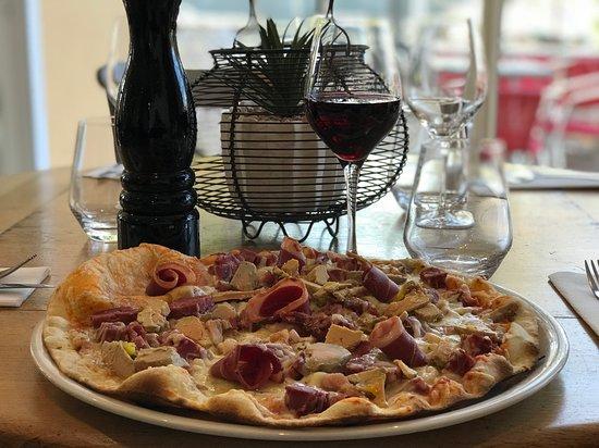 Nouvelle pizza au foie gras, gésier et magret de canard !  Ô Patio !