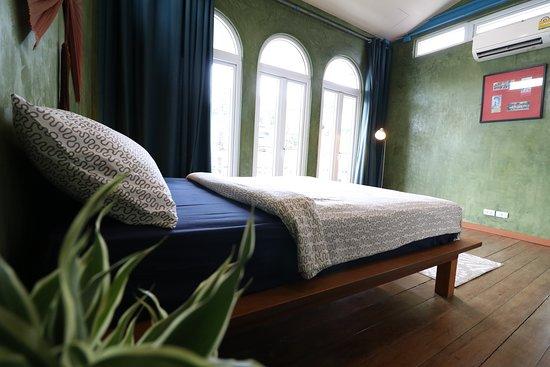 2nd Bedroom, Queen Size mattress