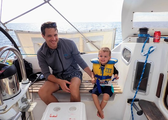 Kuna Vela Sailing Tours : Come and discover with us the Costa Rican marine life!