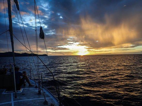 Kuna Vela Sailing Tours : Sunset Cruise & Snorkeling: 2pm - 6pm