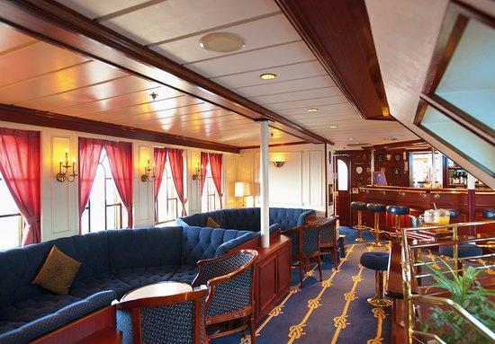 Star Clipper interiors 4833-StarClipper-2014