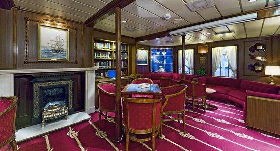 Star Clipper interiors Library-5065 MP