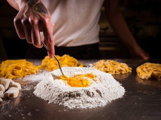 Monterado, Italy: La pasta all'uovo della Tavernetta sull'Aia è tutta fatta a mano. In casa.