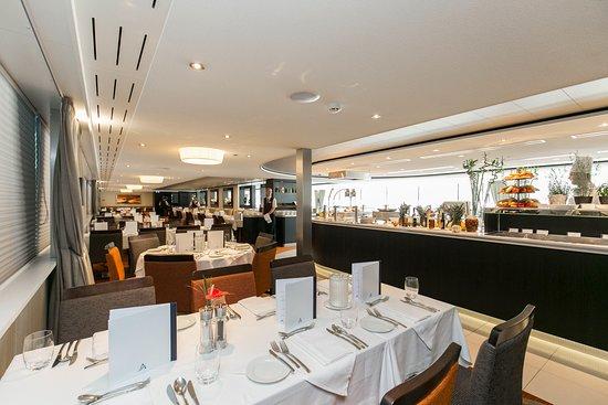 Avalon Illumination restaurant