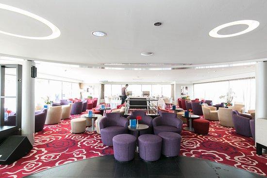 Avalon Illumination lounge