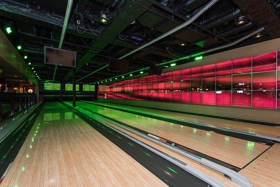 Norwegian Epic bowling
