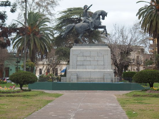Estatua del Gral. San Martin