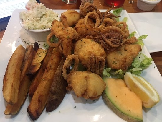 Blue Crab Grill: Seafood Platter