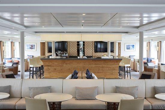 Viking Var Bar and Lounge