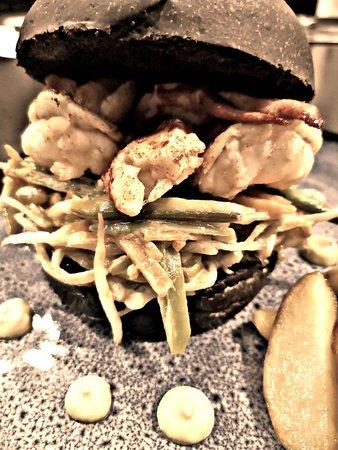 La Mirabelle: Lobster burger
