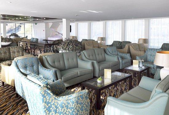 AmaLyra Lounge