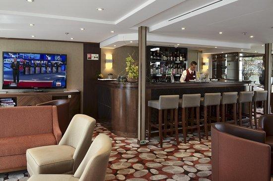 AmaVida (APT) Bar and Lounge