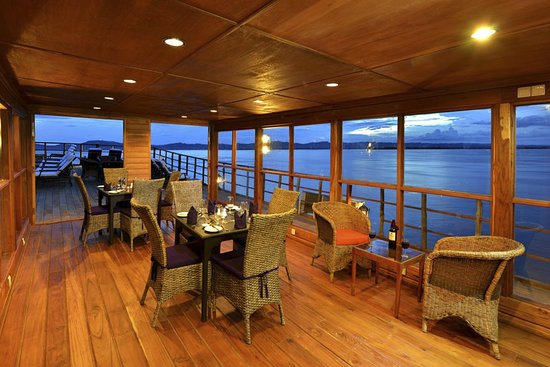 Princess Royal Deck Dining