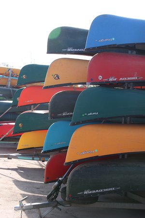 Auberge au Canoe Gourmand: Canoe neben du canoe gourmand