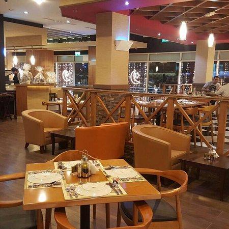 10 Best Lebanese Restaurants In Jumeirah Lakes Towers Jlt