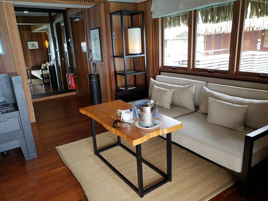 Conrad Bora Bora Nui : Daybed near the front door of the King Overwater Bungalow