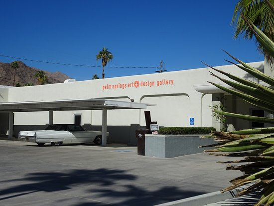 ‪Palm Springs art + design gallery‬