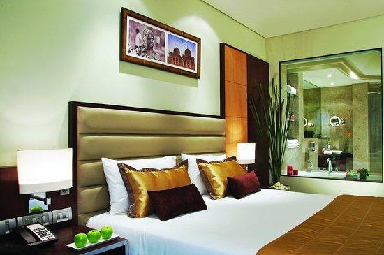 Vivanta Hyderabad, Begumpet : Suite