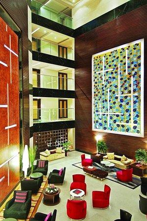 Vivanta Hyderabad, Begumpet : Lobby