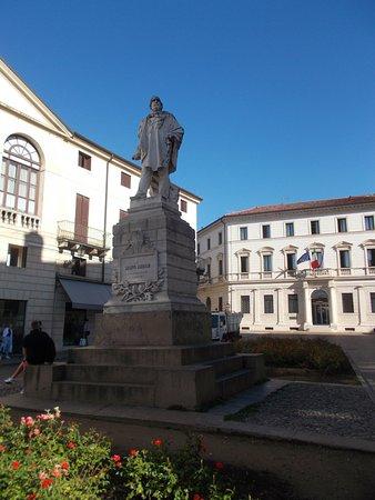 Statua Di Fedele Lampertico