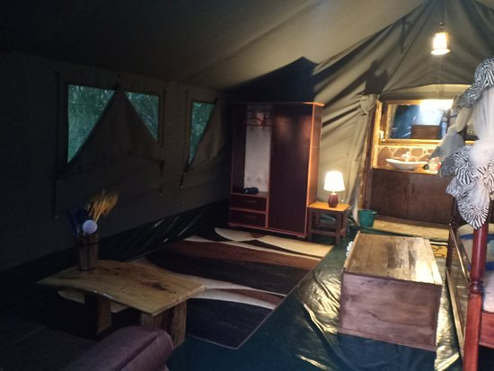 Narok, Kenya: Rooms has couch, safe boxes and wardrobe