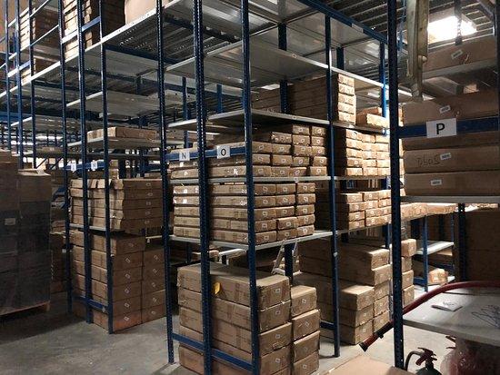 Dubaï, Émirats arabes unis : Citron Dubai Warehouse Stocks