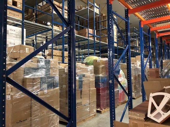 Dubaï, Émirats arabes unis : Citron Dubai Warehouse Deliveries