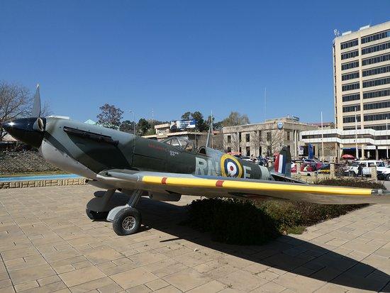 Maseru, Lesotho: 軍用機の展示