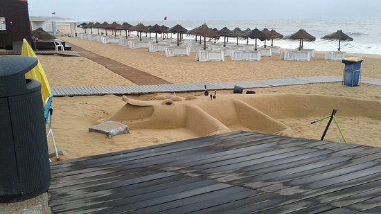 Sand sculpture on Praia da Quarteria