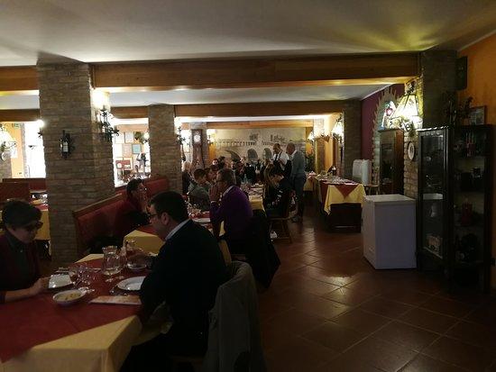 interno sala ristorante piano sotto
