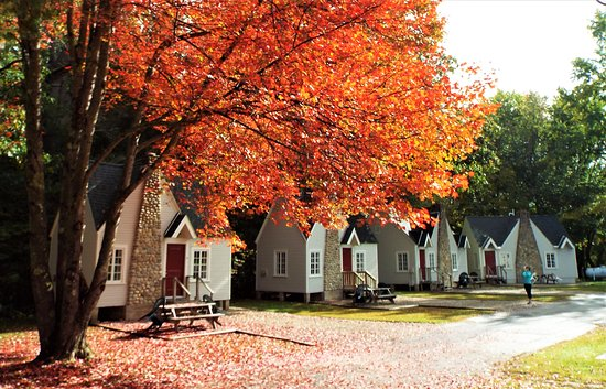 Thornton, NH: Early October, Gilchrest Cottages