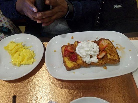 Another Broken Egg Café afbeelding