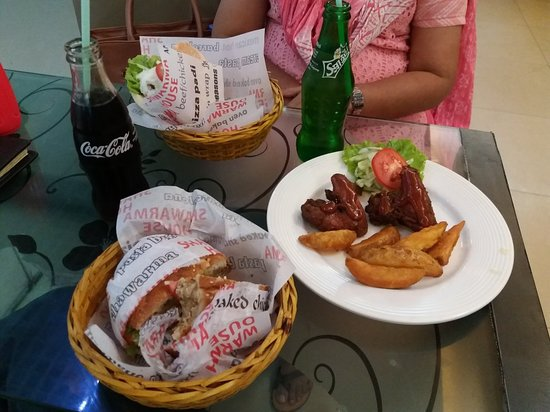 Jamuna Future Park: Had quick lunch at Shawarma House on the food court, 3 Nov 18.