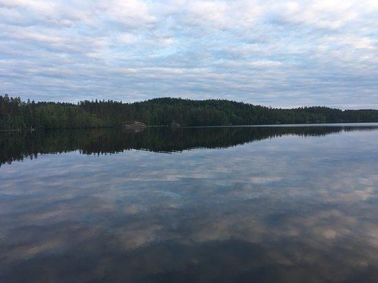 Anttola, Suomi: Lago di fronte al resort