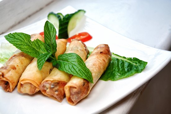 Uncle Nam's: Crispy rolls of deliciousness!