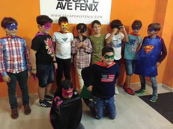 Escape Ave Fenix : Cumpleaños de Ian!!