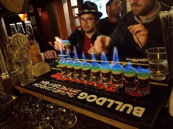 Camone Bar