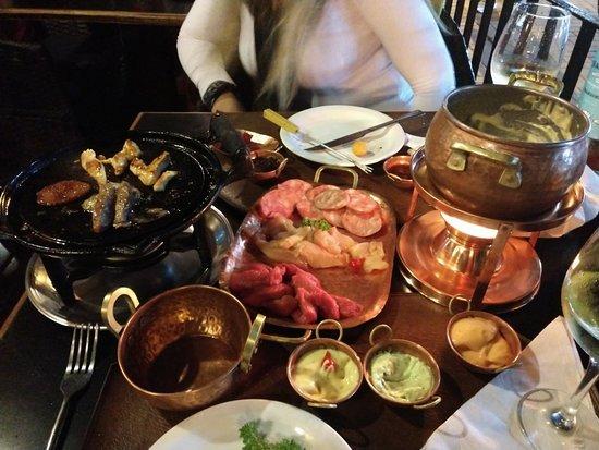 Rostie Restaurant Foto