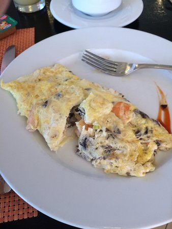 Sanctuary at Grand Memories Varadero: Omelet with shrimp